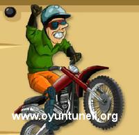 Kasklı Motorcu Oyunu